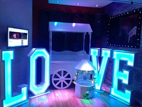 4ft LED Love Letters image